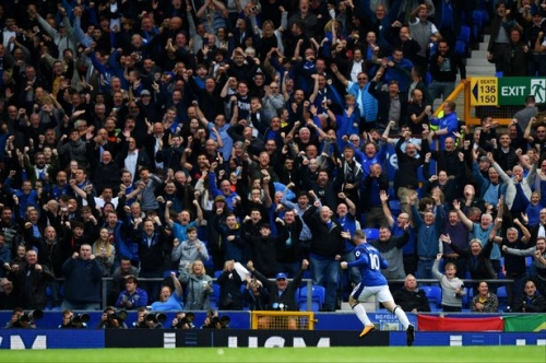 Everton hero Wayne Rooney says he still needs to convince fans he belongs back with Blues