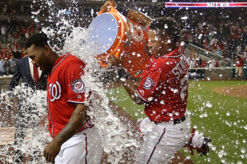 Howie Kendrick hits walk-off grand slam: Washington Nationals 6-2 over San Francisco Giants in extras...
