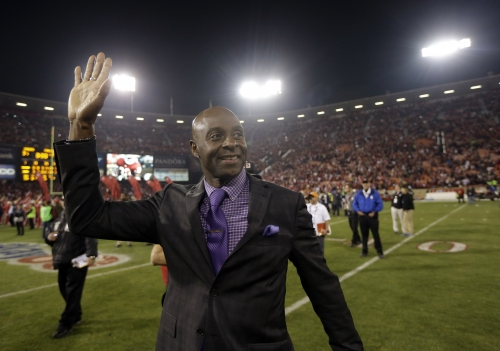 Hall of Famer Jerry Rice takes part in 49ers practice The Associated Press