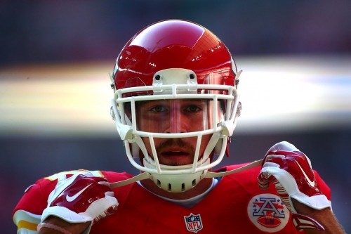 Travis Kelce joined the Chiefs QB competition ... and did pretty well!