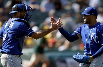 Royals leave Oakland with series win over the Athletics