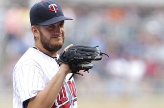 Twins' Perkins returns just wanting chance to pitch