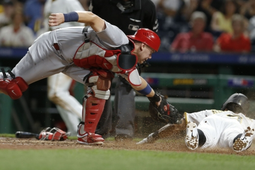 Pirates score seven runs in final two innings, but can't overcome Cardinals