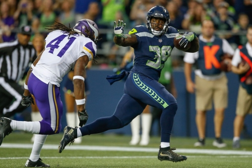 Former 49ers RB Mike Davis shows up in Seahawks highlights