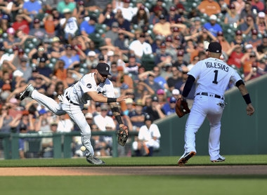 Error ruins Michael Fulmer's shutout as Tigers lose 6th in a row to Dodgers