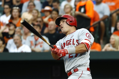 Mike Trout, Luis Valbuena each hit 2 HRs to lead Angels over Orioles