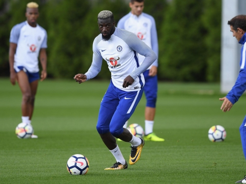 Chelsea team news: Tiemoue Bakayoko makes debut against Tottenham as Antonio Conte names six defenders