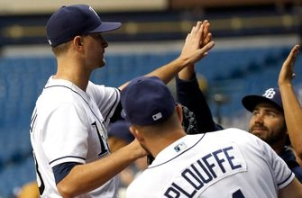 Jake Odorizzi carries no-hitter into 7th, Rays edge Twins