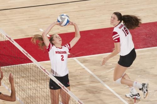 No. 6 Wisconsin volleyball wins HotelRed Invitational
