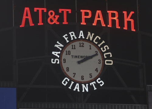 Worth the wait: Giants' all-nighter ends (after 2 a.m.) with win over Dodgers