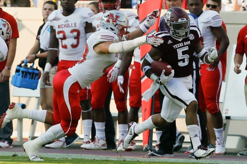 Report: Texas A&M RB Trayveon Williams and QB Jake Hubenak suited up, questionable for today's game