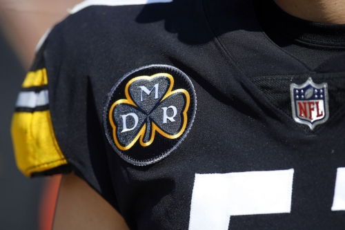 On emotional day, Steelers give game ball to Art Rooney II in memory of his late father
