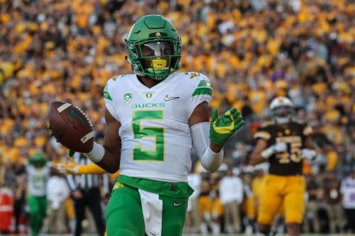 Game Recap: Oregon's Defense Silences Quarterback Josh Allen, Wyoming 49-13