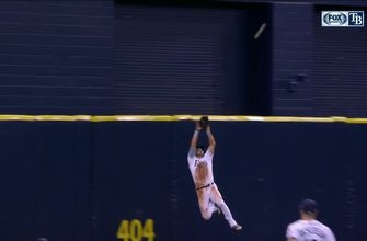 WATCH: The Outlaw robs another one with leaping catch at the wall