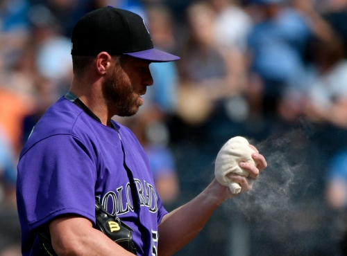 Greg Holland pitching for Rockies' playoff spot and his next contract