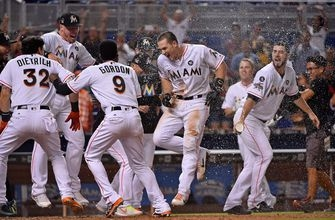 Marlins rally in 9th, walk-off in 10th to take 2nd straight from Mets