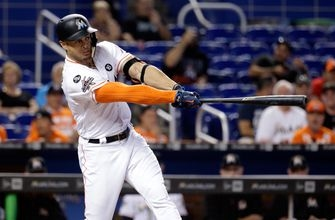 Giancarlo Stanton blasts HR No. 56, Marlins crush 4 dingers to sweep Mets