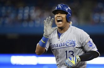 Vargas and 4 relievers toss 2-hitter, Royals beat Jays 1-0 (Sep 21, 2017)