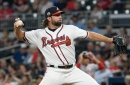 Dickey stifles Nats, Braves snap skid with 3-2 win