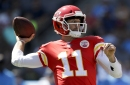 Unbeaten Chiefs keep rolling with big plays