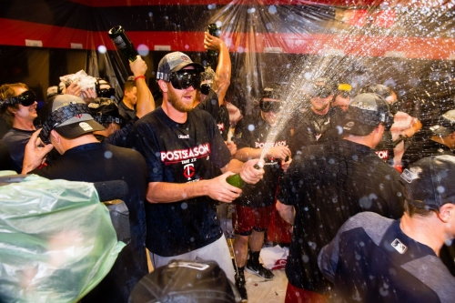 Twins clinch second wild card spot