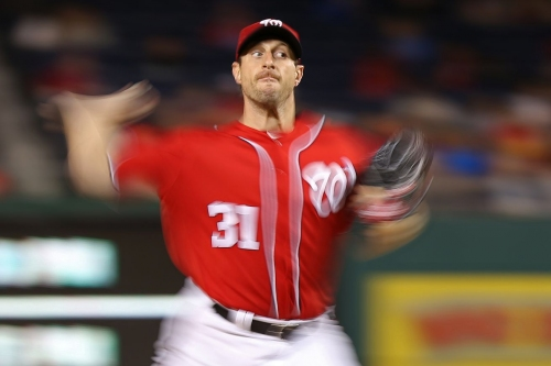 Washington Nationals' ace Max Scherzer leaves start with right hamstring cramp...