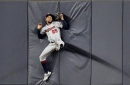 Twins' Byron Buxton crashes into wall, leaves game due to injury