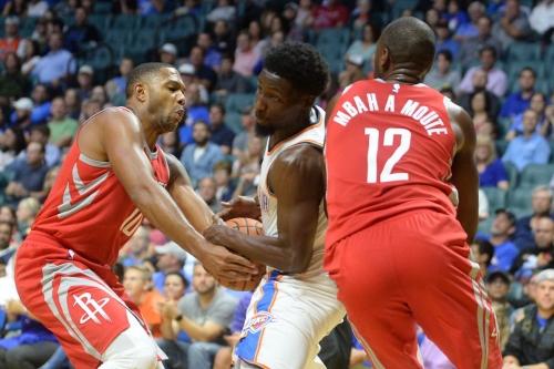 James Harden, Chris Paul, defense send Rockets over Thunder