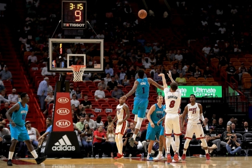 Heat defeat Hornets, 109-106, in entertaining style with a team effort on offense