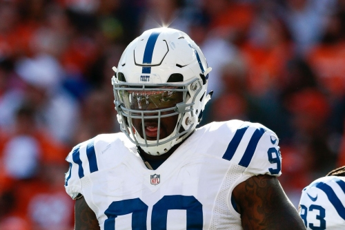 Texans sign DL Kendall Langford