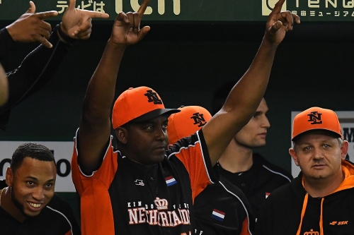Hensley Meulens is a candidate for every open managerial position ... again