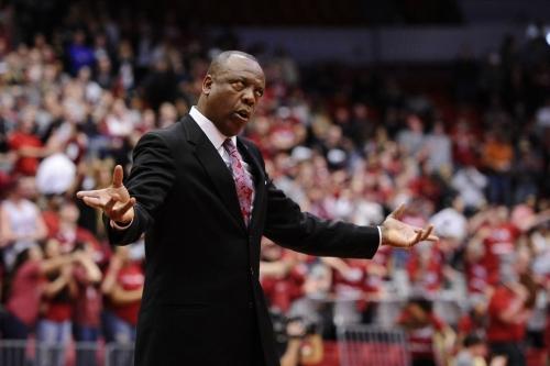 WSU basketball picked last in preseason poll