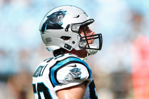 Panthers vs Eagles: Luke Kuechly being evaluated for concussion