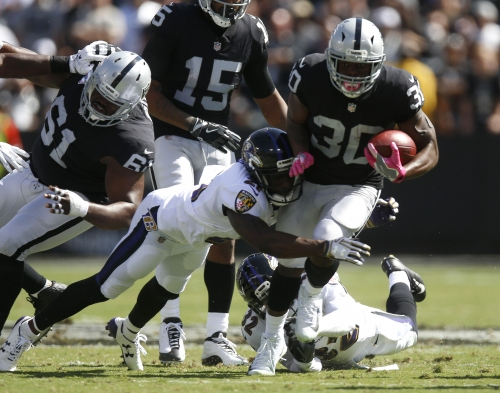 Raiders' improving run game faces NFL's worst run defense