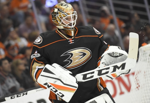 Ducks Gameday: Familiar face Jonathan Bernier is now their foe