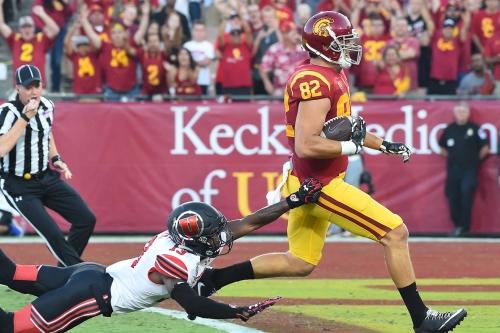 USC Football 2017: Trojans survive Utah in sloppy victory