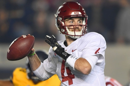 WSU remains in top 25 after loss to Cal