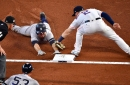 Third-base coach's bad send costs the Yankees and Gardner