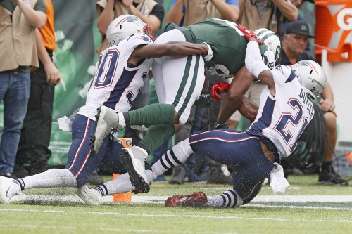 Ref defends 'obvious' call that's infuriating Jets fans
