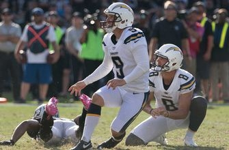 Chargers edge Raiders on Novak's late field goal