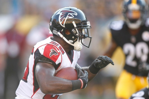 RB Brian Hill returns to the Atlanta Falcons practice squad