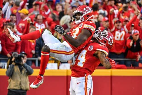 NFL power rankings: ESPN keeps Chiefs No. 1, others drop them