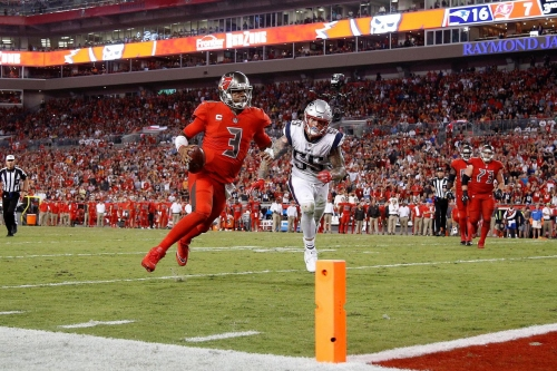 Jameis Winston needs more help from his coaches