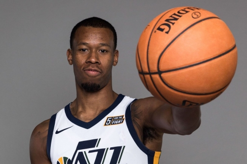 Rodney Hood leaves game 30 seconds before it starts