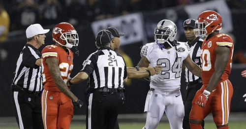 Watch: Raiders' Marshawn Lynch ejected for pushing official