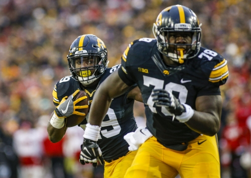 Hawkeyes' Daniels settles into his comfort zone