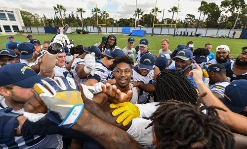 Las Vegas shooting survivor Jonathan Smith welcomed by Chargers