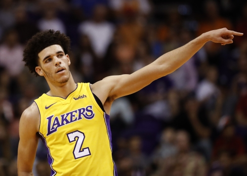 Luke Walton defends Lonzo Ball from those who said he got 'destroyed' in debut