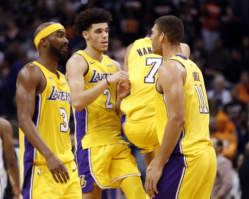 Lonzo Ball's focus in tight game reminds Lakers coach of Kobe Bryant