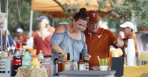 Social reaction: Texas fans flock to Royal-Memorial stadium in hopes of an upset over Oklahoma State